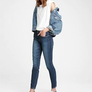 Gap 1969 True Skinny sculpting  jeans